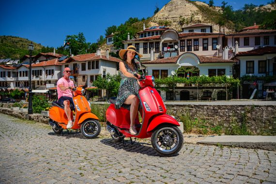 With Vespa to Melnik and Villa Melnik